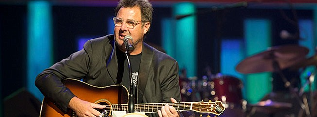 After 40 years, Vince Gill is still at top of his game
