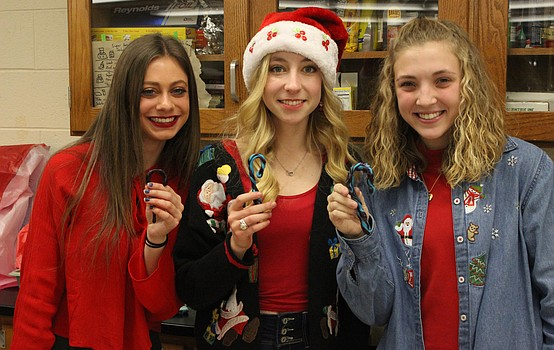 CHS chemistry students make candy canes
