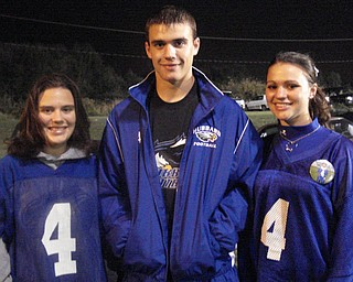 #4 with his sisters, his fan base