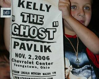 Kelly Pavlik Gary Lockett weigh in Atlantic City June 6, 2008.