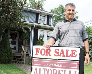 Realtor Jerry Altobelli supports an idea by Niles Mayor Ralph Infante to give a $500 city grant to GM employees working the third shift at Lordstown if they buy or build a home in Niles. Altobelli says the $500 of taxpayer money will be regained several times over in the new homeowner's taxes.
