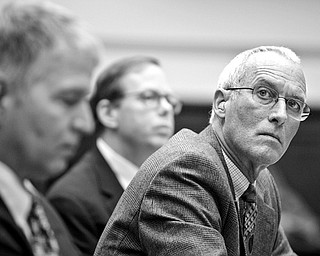 Former Standard and Poor's executive Frank Raiter, right, former Moody's executive Jerome Fons, left, and Egan-Jones Ratings Manager Director Sean Egan, center, testify on Capitol Hill in Washington, Wednesday, Oct. 22, 2008, before the House Oversight and Government Reform Committee.