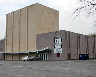 <b>The Youngstown Playhouse</b>