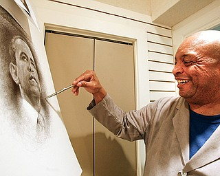 Youngstown artist Bill Dotson is using his unique pen and ink technique to create a portrait of President-elect Barack Obama at the Butler Institute of American Art.