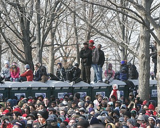 Large crowd on mall for inaugural speech