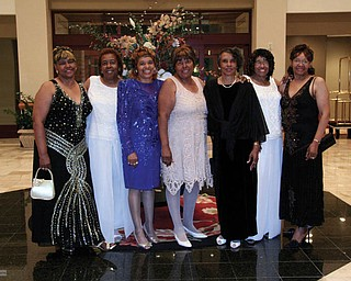 Nettie Williams, Shirley Turner, JoAnne Leopold, Bessie Matthews, JoAnna English, Eunice Stroud, Dorothy Davis, all sisters, of Leeds, Ala. Submitted by Nettie's daughter-in-law, Shari Williams.