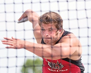 Canfield's Dustin Brode competes in the discus event on Saturday afternoon.