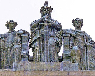 The three statues represent Justice, left, Strength and Authority, center, and Law. A 1957 cleaning rediscovered their names.
