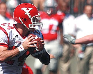 Tom Zetts playing for the YSU Penguins