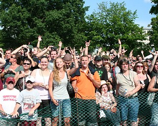 The crowd at the David Grohl Alley dedication ceremony in Warren