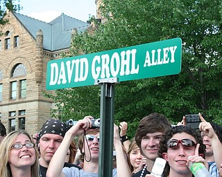 The David Grohl Alley street sign in Warren.