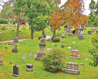 The picturesque hills of Oak Hill Cemetery