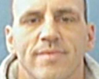 """Stephen E. HoganALIASES: SEX:  Male              RACE:  White             Age:         40HEIGHT:            5'10""""WEIGHT:            170 LBSEYES:              BrownHAIR:              BrownSKINTONE:          SCARS/TATTOOS: WARRANT ISSUED:    MCSO CHARGE:  Receiving Stolen Property    Vindicator: 12/07/09"""
