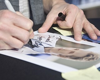 Twilight series fans seek autographs at Eastwood Mall in Niles of Twilight actor, Peter Facinelli.