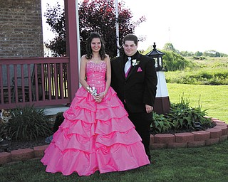 Corey Patrick of Struthers and Ashley Olekshuk of New Middletown attended Cardinal Mooney High SchoolÕs prom this year.