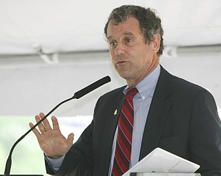 ROBERT K. YOSAY | THE VINDICATOR..Sherrod Brown.V & M and its parent company, Vallourec, will host dignitaries from federal, state, county and local government, along with partners in the business community and more than 100 employees for a groundbreaking ceremony to officially begin construction of the companyÕs new mill..The planned mill Ñ a state-of-the-art, hot-rolling, seamless pipe mill Ñ represents a $650 million investment for Vallourec and will lead to the creation of 750 construction and permanent mill jobs. -30--