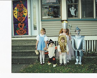 Desiree' Bradford, Skye Ingram, Hope Ingram, Kyrstin Bradford and Derrek Bradford, all cousins from Struthers, were off to see the wizard dressed as their favorite Oz characters. Photo sent in by Sue Bradford.