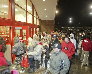 William D. Lewis|The Vindicator A large crowd qued up outside the Boardman Target store at 4am Friday to get Black Friday bargins.