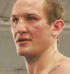 Billy Lyell wins decision over Chris Gray in Niles on Oct. 17, 2009.