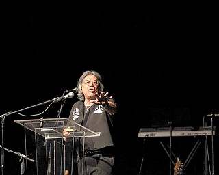 Author Don Barlette spoke at the Christian rally Saturday at the Covelli Center.