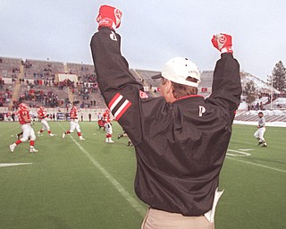 Jim Tressel celebrates as the finals second tick down in a Penguin win over Washington State in the Div I-AA semi-finals in 1997.