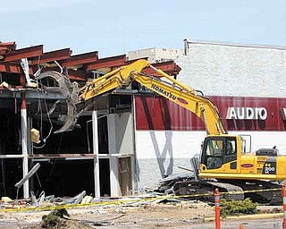 Demolition of the former Circuit City building on the corner of Market Street and U.S. Route 224 in Boardman began this week. Future plans show a 13,225-square-foot building that is zoned for retail use and will have a pharmacy for the CVS location and another building, 4,400 square feet, that is zoned for use as a fast-food restaurant. Cedarwood Development Inc. purchased the property, at 7230 Market St., for $2.2 million in April.