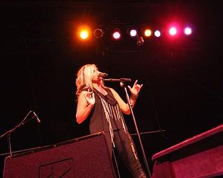 Sarah Turner performs at Gossip in Austintown on August 12, 2011.k