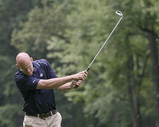 JESSICA M. KANALAS | THE VINDICATOR ..Golfer Rob Venrose competes during the prelims of the Greatest Golfer Tournament at Mill Creek Golf Course. .. -30-