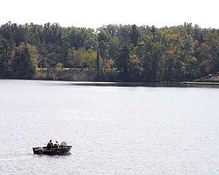 JESSICA M. KANALAS | THE VINDICATOR ..---boat on the lake .. ...-30