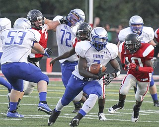William D LEwis The Vindicator  Hubbard's Larry Scott(3) scampers for 1rst half yardage at Girard Friday 8-31-12.
