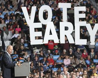 William d Lewis the vindicator  VP Joe Biden speaks to crowd during Biden Clinton rally 102912.