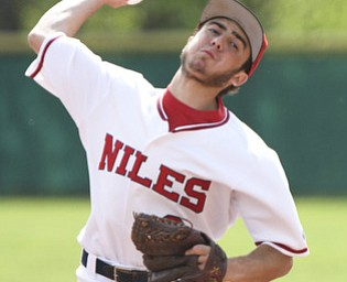 William d Lewis The Vindicator Niles pitcher TylerWiery delivers during 1-0 win over Canfield at Niles Tuesday.