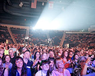 MADELYN P. HASTINGS | THE VINDICATOR..Thousands fill the seats of the Covelli Centre Sunday, August 25, 2013 for the American Idol Live! tour.... - -30-..