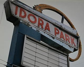 Idora Park sign