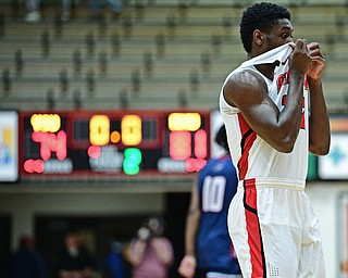 YOUNGSTOWN, OHIO - NOVEMBER 29, 2017: Youngstown State's Garrett Covington walks off the floor after Youngstown State was defeated by Robert Morris 81-71 after their game Wednesday night at Beeghley Center. DAVID DERMER | THE VINDICATOR