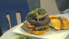 The Burger Guyz host the final match of the cheeseburger challenge at The Vindicator with three guest judges. Todd Franko, Mike Case, and Fast Freddie get to taste test The Magic Tree's best burger.
