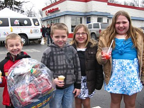 Community meets Easter Bunny at DQ