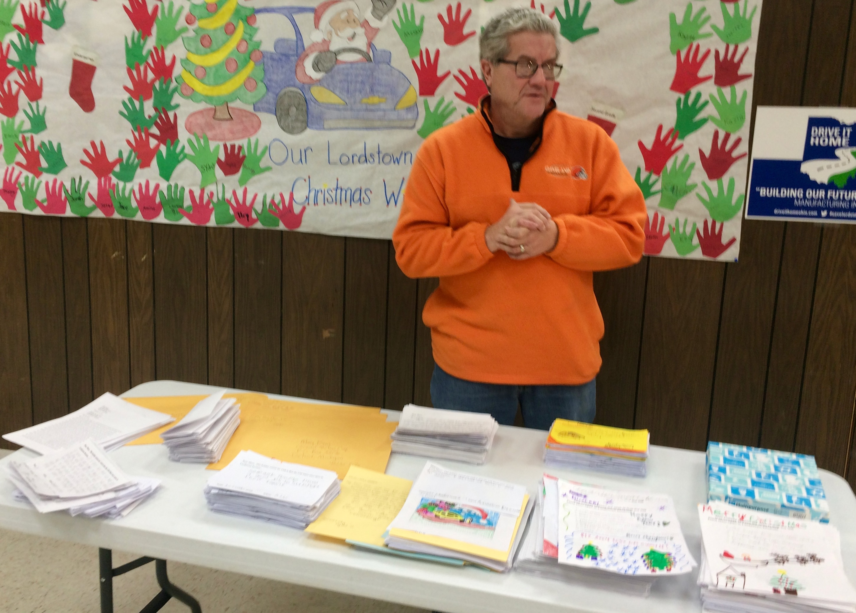 UPDATE | UAW officials display letters for GM CEO