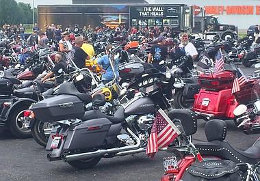 UPDATE | More than 400 to escort Vietnam memorial to Warren