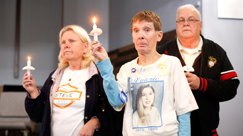 Survivors gather in Warren to remember, honor loved ones lost to suicide