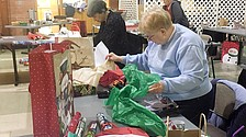 Community provides Christmas gifts for needy children