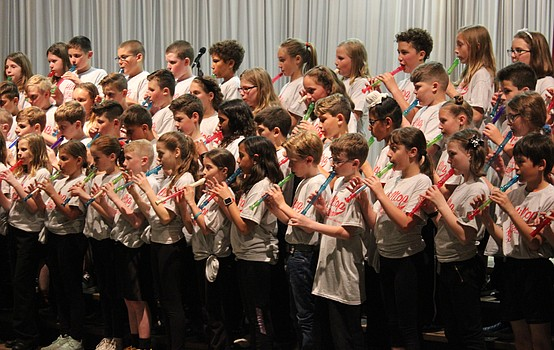 Hilltop fourth-graders present evening of art and music