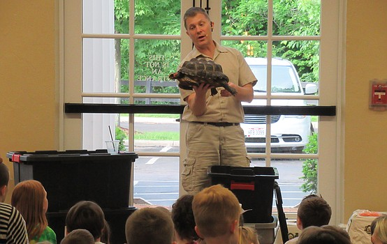 Outback Ray visits the Poland library