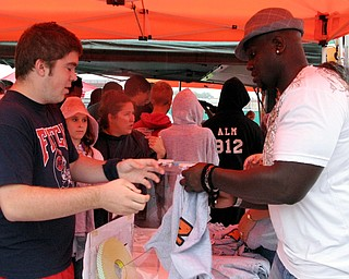Pittsburgh Steelers' Nick Eason tailgating with Blitz at the Austintown Fitch vs. Canton McKinley Game.