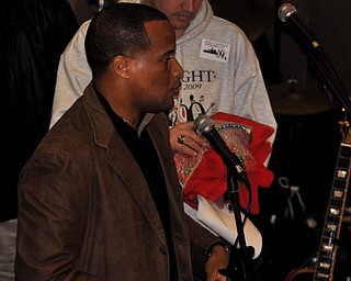 Mayor Jay Williams speaks as part of the opening ceremonies at First Night Youngstown 2009