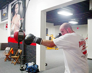 Kelly Pavlik working out at the Jack Loew's new South Side Boxing club - on Market St in Youngstown