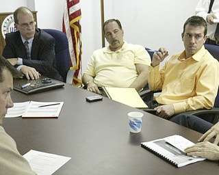 US Sen Sherrod Brown (far right) meets with (left-right) Jim Graham, President of UAW 1112, David Green, President of UAW 1714, Michael O Brien, Mayor of Warren, Mark Catello, IBEW local 573 business agent, and Darren Augustine, from the office of US Rep Tim Ryan, at UAW 112 hall in Lordstown.