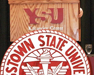 "img/photos/2009/08/17/08182009a1sweet.jpg	SWEET SPEECH: Youngstown State University President David Sweets delivers his final ""State of the University"" speech to an audience comprised of faculty, staff and students Monday. Sweet, who has been in the position for the past 10 years, will retire at the end of the academic year in June 2010."