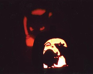 This is a pumpkin carving done by Dave Len of Poland.