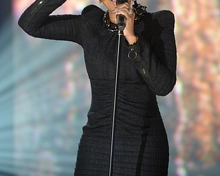 """In this image released by Hope for Haiti Now, Mary J. Blige performs at """"Hope for Haiti Now: A Global Benefit for Earthquake Relief"""", on Friday, Jan. 22, 2010, in New York. (AP Photo/Evan Agostini/Hope for Haiti Now)"""